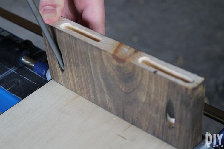 Assembling a window cornice.