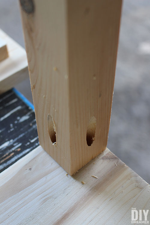 Placement of the table legs.