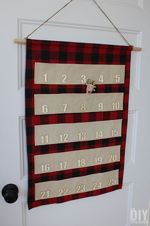 How to sew a fabric advent calendar with pockets.